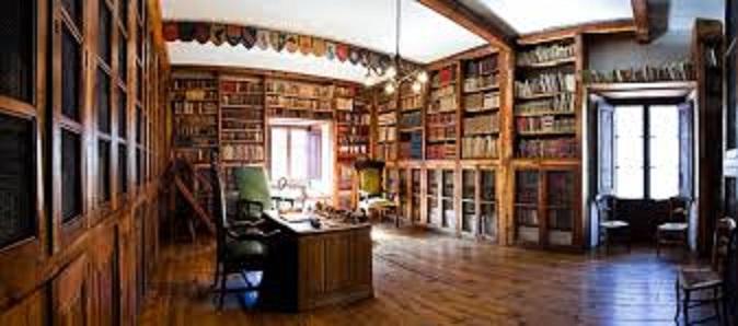Biblioteca de la casa solariega de los Areny-Plandolit
