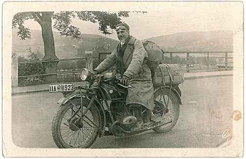 Bermúdez Cañete en un viaje de Londres a Alemania en 1928