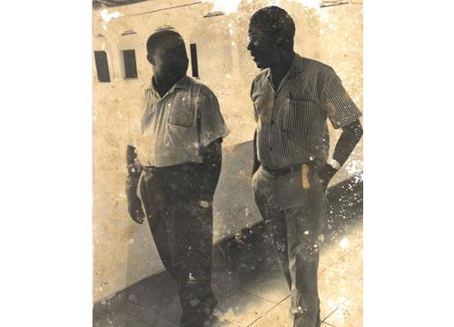 Ciriako Bokesa con su amigo Donato Dongo Bidyogo, 1990
