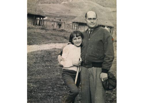 Constanza y su padre a principios de los 60, Colombia