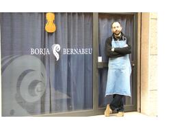 Borja Bernabeu, lutier
