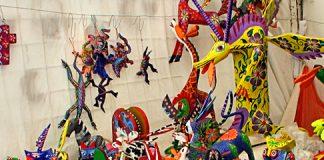 Alebrijes_in_Oaxaca_Mexico_2009_540.jpg