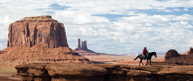 Nature_Mountains_Cowboy_in_the_Arizona_desert_017068_620.jpg