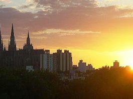 puesta-de-sol-en-el-centro-platense_540.jpg