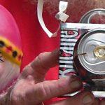 Vendedor-de-cámaras-fotos-hechas-con-latas,-foto-Anne_540.jpg